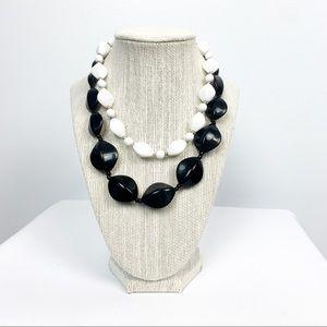 🌼2/$22🌼 Black & White Necklace Set